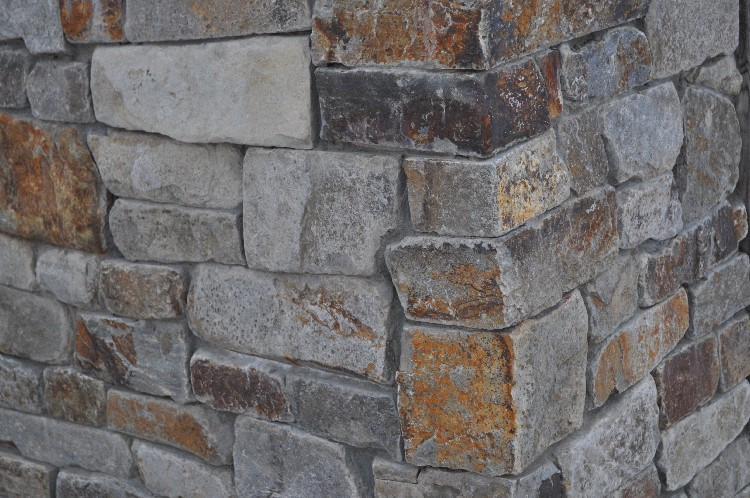 Montan Golden Tumbled Ledge Thin Veneer
